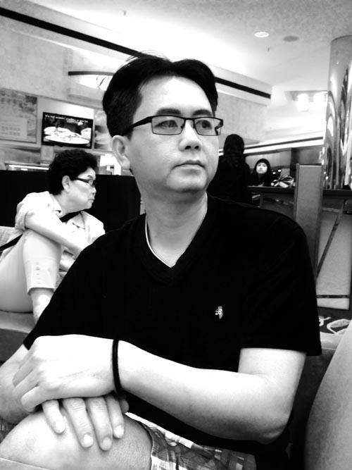 Asian man at Shopping Mall